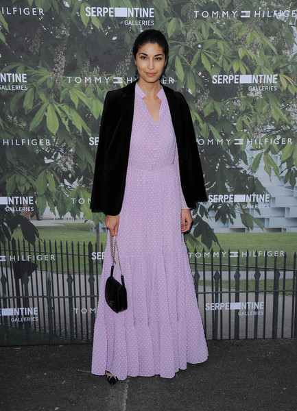 Caroline Issa Chain Strap Bag [clothing,formal wear,pink,fashion,dress,outerwear,blazer,suit,street fashion,fashion design,arrivals,caroline issa,london,england,the serpentine gallery,serpentine summer party]