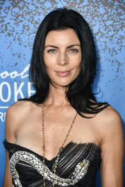 Liberty Ross looked mildly retro wearing this loose center-parted hairstyle at the launch of 'Carpool Karaoke: The Series.'