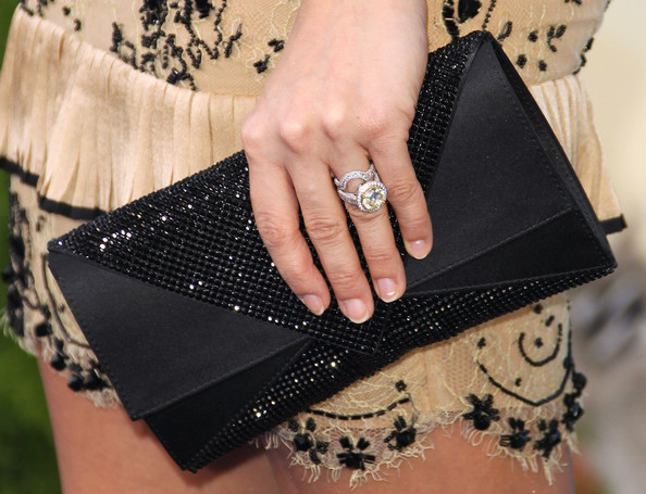 Carrie Underwood Diamond Ring [soul surfer,black,fashion,fashion accessory,hand,wrist,bag,handbag,nail,finger,leather,arrivals,handbag,carrie underwood,actress,ring detail,arclight cinerama dome,tristar pictures,premiere,premiere]