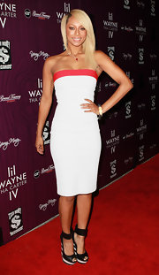 Keri Hilson accessorized her look with a pair of black wedges with a striped heel.