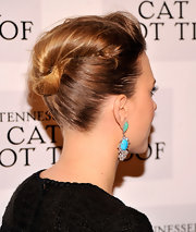Keeping in tune with other Hollywood greats, Scarlett opted for this serenely elegant French Twist for the opening night of Broadway's 'Cat on a Hot Tin Roof.'