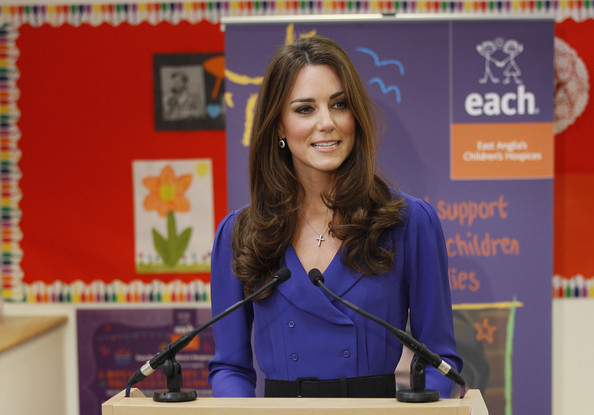 More Pics of Kate Middleton Day Dress (6 of 62) - Kate Middleton Lookbook - StyleBistro