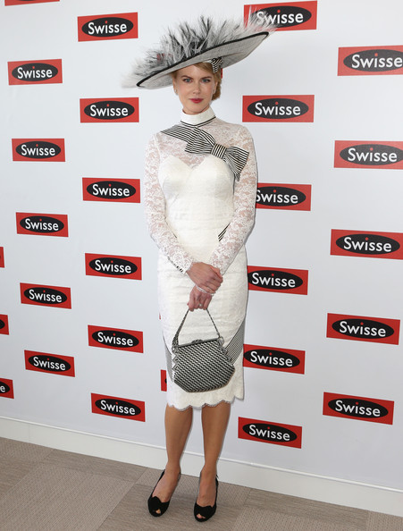 http://www1.pictures.stylebistro.com/gi/Celebrities+Attend+Derby+Day+XKa-EX-i5J4l.jpg
