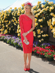 Jennifer Hawkins looked oh-so-pretty in a hot-pink lace one-shoulder dress by Yeojin Bae during Melbourne Cup Day.