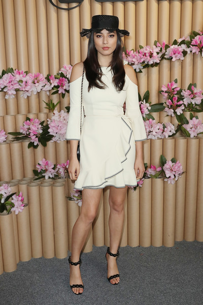 Jessica Gomes styled her frock with a pair of beaded black sandals.