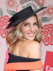 Elsa Pataky geared up for Melbourne Cup Day with an elegant black Nerida Winter hat.