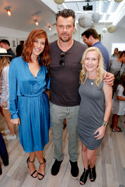 Kate Walsh looked effortlessly chic in a blue silk shirtdress while attending the TOMS x Oceana event.