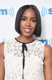 Kelly Rowland debuted a sleek bob while visiting SiriusXM. It made her look so much younger!