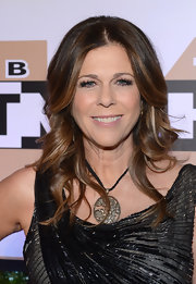 Rita Wilson's red carpet look was completed by the star's glamorous waves.