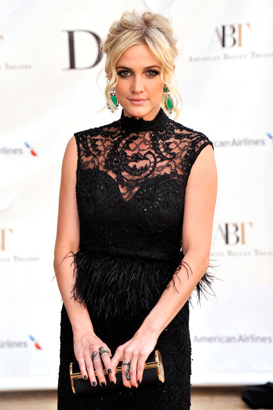 More Pics of Ashlee Simpson Pink Lipstick (1 of 3) - Ashlee Simpson Lookbook - StyleBistro