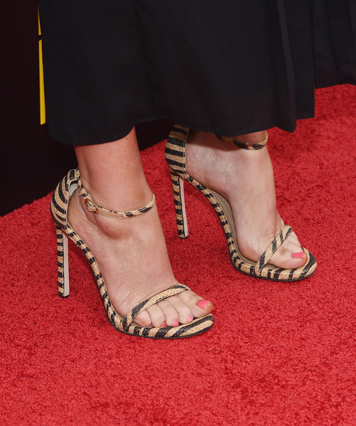 More Pics of Amy Poehler Jumpsuit (3 of 18) - Amy Poehler Lookbook - StyleBistro [difficult people premiere,footwear,high heels,leg,human leg,sandal,shoe,ankle,foot,carpet,toe,celebs,amy poehler,actress,hulu original,shoe detail,new york city,difficult people premiere]