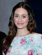 Emmy Rossum's long chestnut waves looked feminine and effortless at the 'Oz: The Great and Powerful' screening.