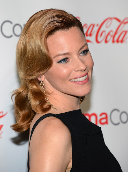 More Pics of Elizabeth Banks Retro Hairstyle (3 of 19) - Retro Hairstyle Lookbook - StyleBistro