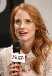 Jessica Chastain looked oh-so-lovely with her long wavy hairstyle during her visit to the Variety Studio.