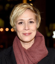 Liza Weil wore a casual short 'do at the opening night performance of 'Linda Vista.'