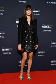 Berenice Bejo finished off her ensemble with a beaded clutch.