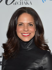 A vibrant red lip gave Soledad O'Brien a touch of retro-glam at Chaka Khan's birthday celebration.
