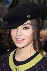 The actress topped off her 'do with a Chanel newsboy cap.