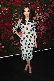 Camilla Belle's floral crochet dress and smoky cat eyes took major style cues from the '60s.