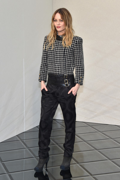 Vanessa Paradis donned a bold-shouldered tweed jacket by Chanel for the label's Haute Couture show.