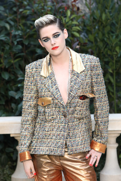 Kristen Stewart matched her mani to her lipstick when she attended the Chanel Couture Spring 2019 show.