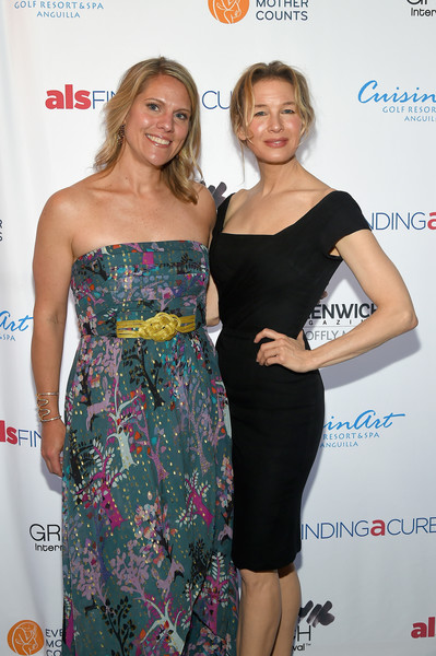 More Pics of Renee Zellweger Loose Ponytail (1 of 12) - Updos Lookbook - StyleBistro [clothing,dress,shoulder,yellow,fashion,event,premiere,joint,cocktail dress,carpet,greenwich,connecticut,changemaker honoree gala - greenwich international film festival,eliza niblock mccrory,renee zellweger]