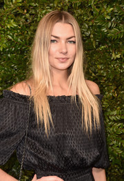 Jessica Hart looked trendy with her sleek straight layers at the Charles Finch and Chanel pre-Oscar dinner.