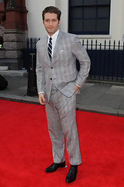 Matthew Morrison opted for a gray plaid two-piece suit for his look at the 'Charlie and the Chocolate Factory' press night.
