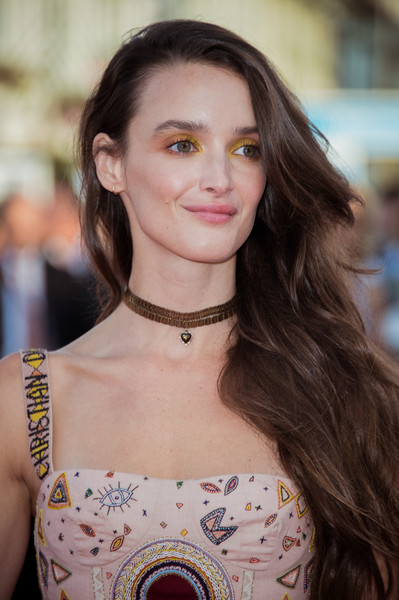Charlotte Le Bon Bright Eyeshadow [hair,hairstyle,fashion,beauty,shoulder,fashion model,eyebrow,brown hair,long hair,lip,deauville,france,deauville american film festival : opening ceremony,opening ceremony,charlotte le bon]