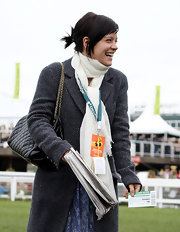 Lily Allen added a ladylike element to her attire with a black quilted Chanel bag.