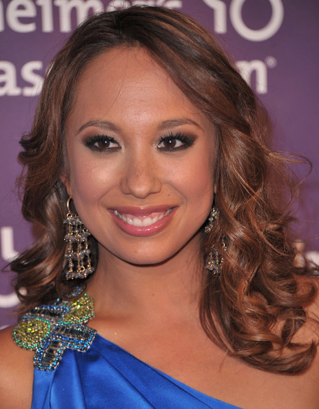 Cheryl Burke Dangle Decorative Earrings [a night at sardis,hair,hairstyle,face,eyebrow,shoulder,chin,beauty,blond,brown hair,long hair,cheryl burke,red carpet,fundraiser and awards,beverly hills,california,alzheimers association,a night at sardis]