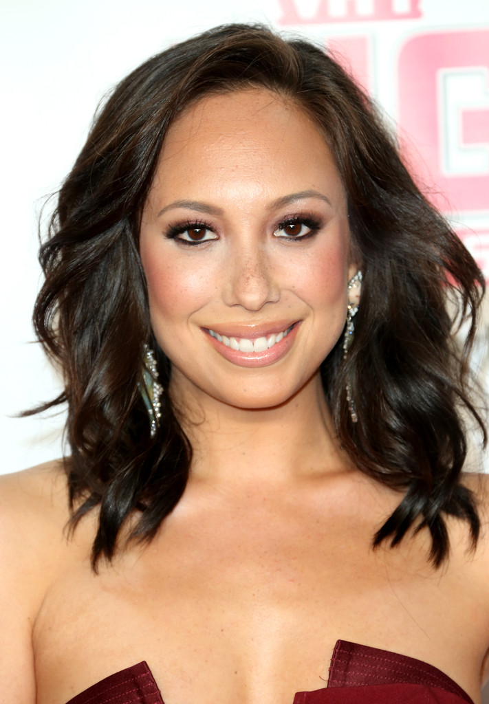 Cheryl Burke Medium Wavy Cut Hair Looks