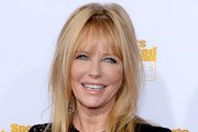 Cheryl Tiegs Medium Straight Cut with Bangs