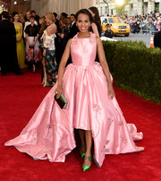 Kerry Washington matched her shoes with a green satin clutch, also by Prada.
