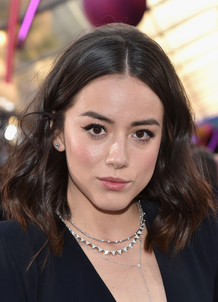 Chloe Bennet Medium Wavy Cut