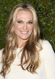 Molly Sims looked like a goddess with her long center-parted waves during the Chloe LA fashion show and dinner.