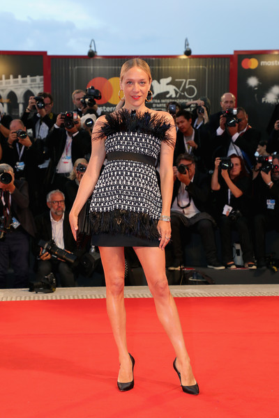 Chloe Sevigny Strapless Dress [at eternitys gate,footwear,flooring,fashion model,carpet,fashion,girl,leg,red carpet,dress,joint,chlo\u00e8 sevigny,sala grande,red carpet,venice,italy,red carpet arrivals,venice film festival,screening]