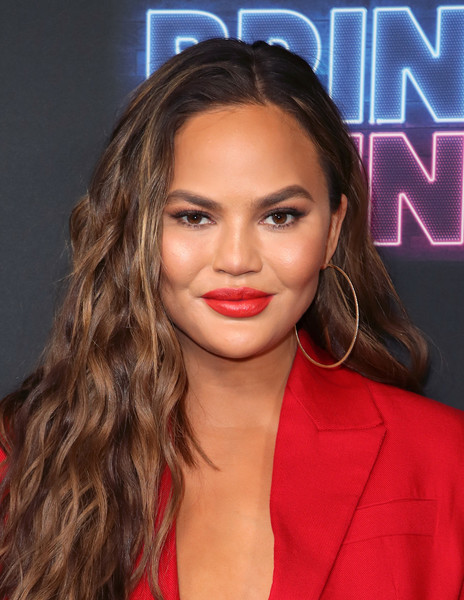 Chrissy Teigen Red Lipstick [bring the funny,hair,face,lip,hairstyle,eyebrow,beauty,forehead,chin,long hair,blond,chrissy teigen,los angeles,california,nbc,premiere,premiere,rockwell table stage]