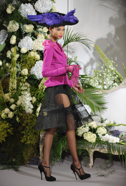http://www1.pictures.stylebistro.com/gi/Christian+Dior+Paris+Fashion+Week+Haute+Couture+6AC25Ny-Z71l.jpg
