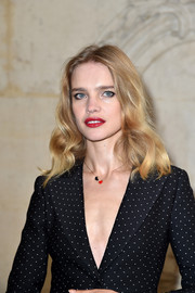 Natalia Vodianova wore her hair in vintage-inspired waves at the Dior fashion show.