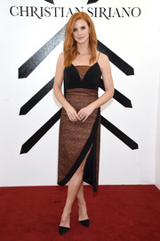 Sarah Rafferty completed her outfit with classic black d'Orsay pumps.
