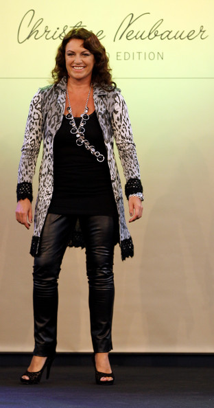 A skinny leather pant is always a bold statement and Christine Neubauer surely made one in this pair!