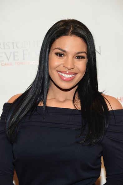 More Pics of Jordin Sparks Off-the-Shoulder Dress (1 of 10) - Off-the-Shoulder Dress Lookbook - StyleBistro