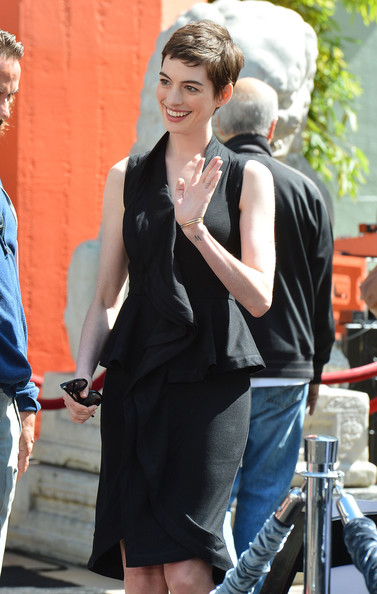 More Pics of Anne Hathaway Pixie (1 of 43) - Anne Hathaway Lookbook - StyleBistro