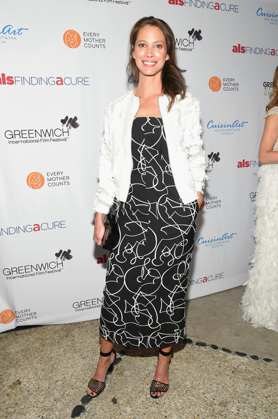 Christy Turlington Print Dress [clothing,dress,fashion,cocktail dress,black-and-white,fashion design,premiere,carpet,footwear,outerwear,greenwich,connecticut,changemaker honoree gala - greenwich international film festival,christy turlington]