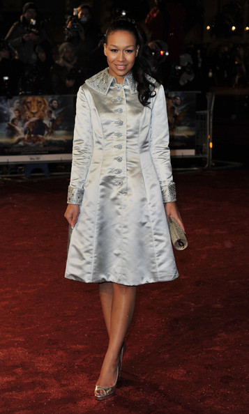 Rebecca shined in a silver beaded evening coat at the 'Narnia' premiere. She was decked out in all metallics.