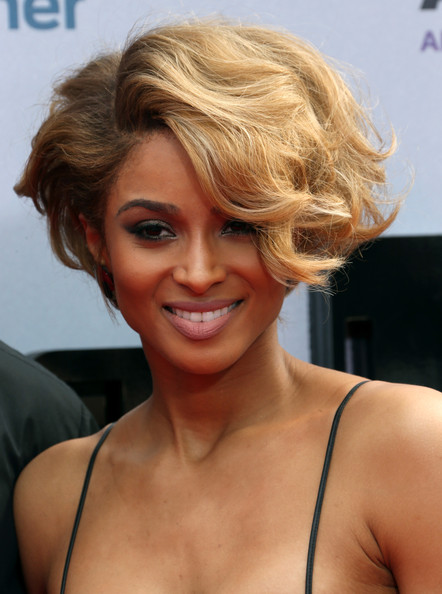 Ciara Short Wavy Cut