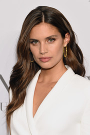 Sara Sampaio looked gorgeous with her long wavy 'do at the 'Angels' by Russell James book launch.
