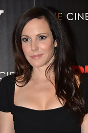 A soft wavy 'do kept Mary-Louise Parker looking fresh and youthful!