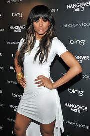 Ciara brightened up her look for spring with blond highlights that sparked a high contrast with her dark mane.